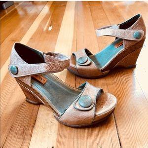 Miz Mooz Shoes - Miz Mooz wedge sandals